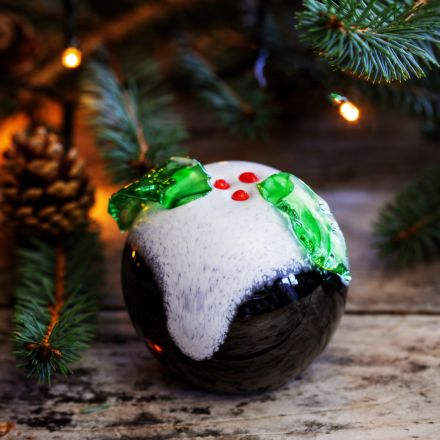 Christmas Pud Glass paperweight, 80mm, | James Pirie